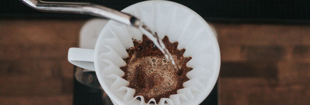 coffee brewing, pour over coffee